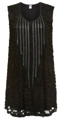 Que - Lace tunica with v cutting and sewed on stripes in imitated fur on front piece
