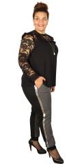 Zoey - Lækker bluse med blonde bærestykke og blondeærmer