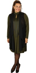 Que - Really nice dress in strechy material with smart tie in imitation leather