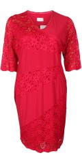 Kirsten Krog Design - Super smart dress with 3/4 lace sleeves and lace in sewn in front piece with v cutting