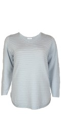 Zhenzi - Light knit pullover with v cutting and rounds fine in the sides