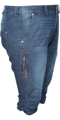 Zizzi - Capri pants with stretch and smart wrinkly effect at the knee