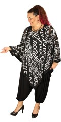 Q´neel - Oversize poncho top with round neck and in super nice print