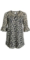 CISO - Lace tunica with 3/4 flounce sleeves and with hard sewn lining, also button closing in the neck