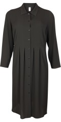 Que - All-buttoned dress in retro style. Impressive nice long dress with pleat front and back