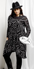 Que - Stylish tunica dress in nice animal print look with long sleeves