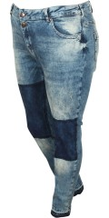Zizzi - Sanna jeans with stretch and wash effect. Is closed with 2 buttons