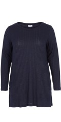 Zizzi - Long slim knitted pullover with vents in the sleeves and the sides