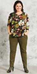 Gozzip - Blomstret viscose bluse med 3/4 ærmer og flot v-hals i god a-facon