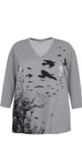 Zhenzi - T-shirt with v cutting and 3/4 sleeves and nice print