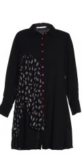 Studio Clothing - Nice shirt blouse in hard fabric with red buttons and nice inserted printed piece