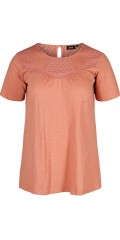 Zizzi - T-shirt with embroidery anglaise details