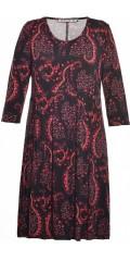 Studio Clothing - Boheme kjole med rødt grafisk print
