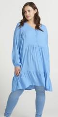 Zizzi - Lysblå kjole med flæser