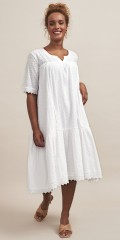 Aprico - Dress in embroidery anglaise
