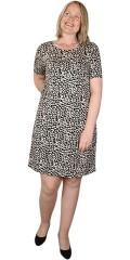ONLY Carmakoma - Super smart klänning från only carmakoma med pollock effekt på baksidan.