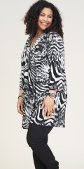 Studio Clothing - Thea tunica with graphic print